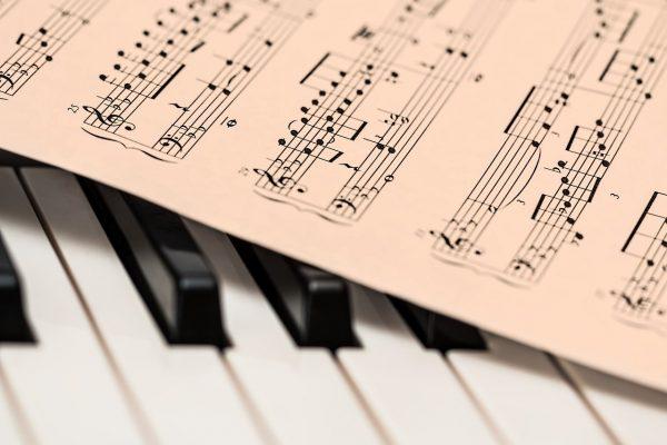 Nouvelles pratiques dans les conservatoires de musique de Paris et Lyon